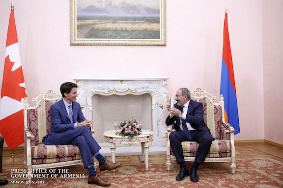 Canadian Prime Minister Justin Trudeau (left) meets with Prime Minister Nikol Pashinyan