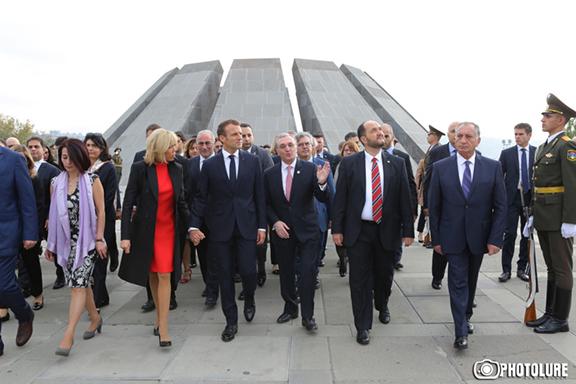 French President Emanuel Macron,, First Lady Brigitte Macron and Foreign Minister Zohrab Mnatsakanyan at Dzidzernagapert