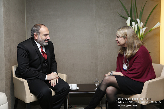 Pashinyan also met with eBay Vice-President Cathy Foster