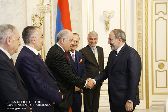 Prime Minister Nikol Pashinyan welcomes Los Angeles-based businessman and philanthropist Harry Nadjarian