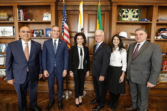 Los Angeles Mayor Eric Garcetti welcomes Anna Hakobyan
