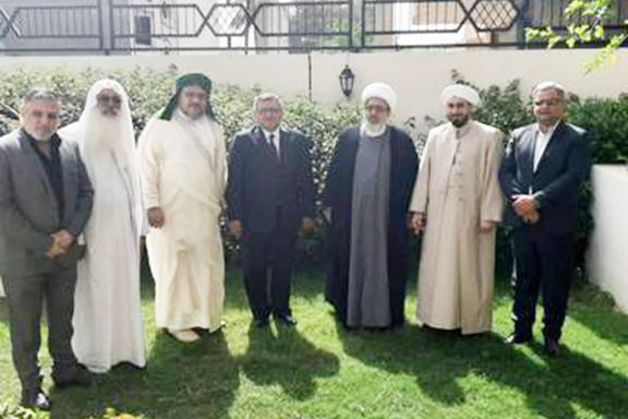 Armenia's Ambassador to Iraq, Hrachya Poladyan, with leaders of Iraq's Muslim community