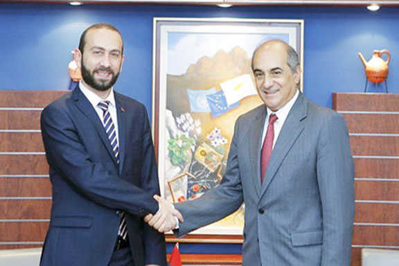 Armenia's Parliament Speaker Ararat Mirzoyan (left) with Cyprus' House of Representatives President Demetris Syllouris in Nicosia on July 4