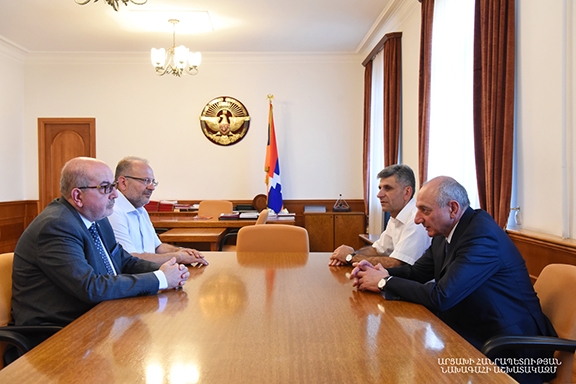 Artsakh President Bako Sahakian meets with leaders of the Homenetmen Central Executive