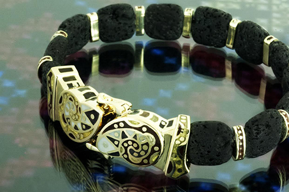 "Nur's ""Artashes"" bracelet, made of gold, enamel, and volcanic foam"