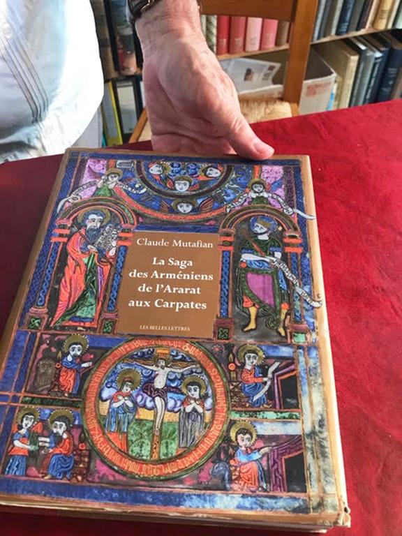 "Claude Mutafian's latest book ""La Saga des Armeniens de L'Ararat aux Carpates"""