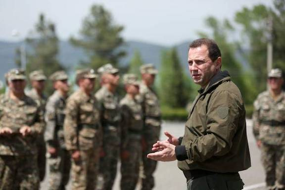 Defense Minister Davit Tonoyan with soldiers of the Armenian Armed Forces