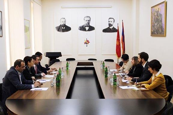 ARF Supreme Council of Armenia members (left) meet with U.S. Ambassador to Armenia Lynne Tracy