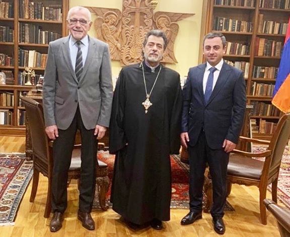 From l to r: ARF Western US Central Committee chairman Avedik Izmirlian, Western Primate Archbishop Hovnan Derderian and ARF Supreme Council of Armenia Chairman Ishkhan Saghatelyan