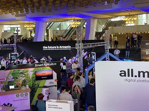 Armenia's IT potential at display at the HIVE Summit
