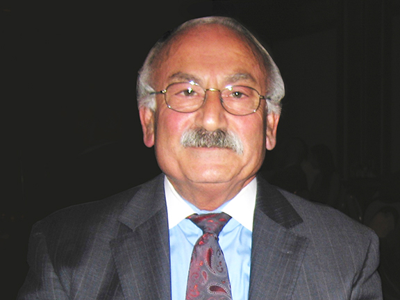 The late ANCA leader Khajag Sarkissian pictured in 2006 after receiving the prestigious Vahan Cardashian Award from the ANCA Western Region.