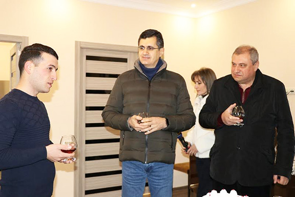 The heads of the partner organizations were hosted by the Muradyan family at their new home