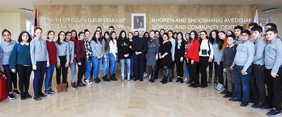Maestro Tigran Mansurian with Avedisian School students and staff