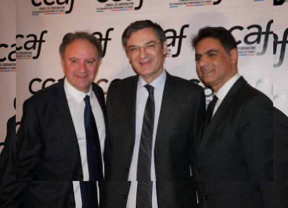 Patrick Devedjian (center) with Mourad Papazian (right) and Ara Toranian, the co-chairman of the CCAF, during the organization's gala in January 2020