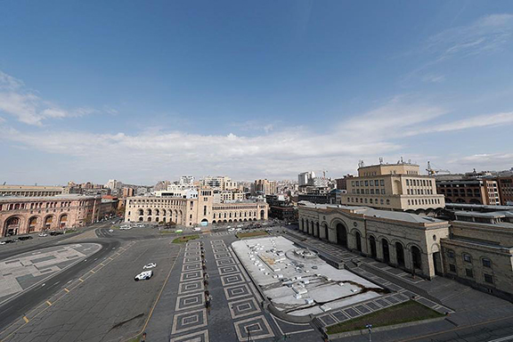 The streets of Yerevan are empty (Photo by ArmRadio)