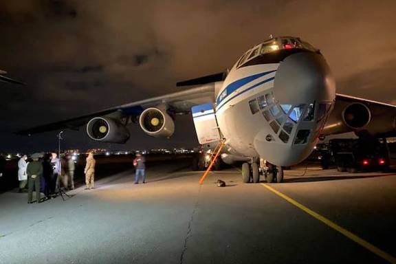 Russian military specialist disembark from a plane in Yerevan