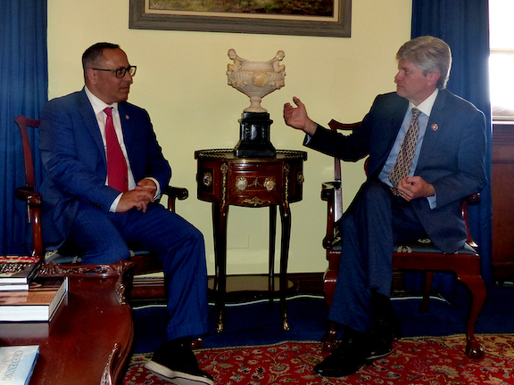 ANCA Chairman Raffi Hamparian discusses Artsakh aid priorities with House Appropriations Committee member Jeff Fortenberry (R-NE).