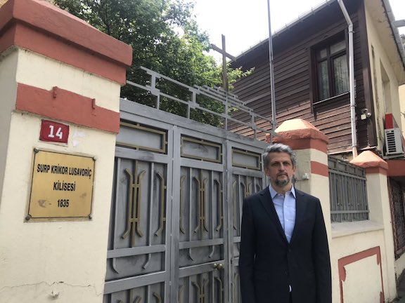 Garo Paylan visited the St. Gregory the Illuminator Church and condemned Turkish authorities for inaction