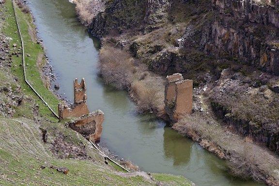 The bridge in Ani