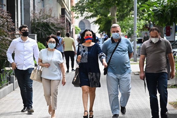 Representatives of the ARF, Prosperous Party of Armenia and the Homeland Party en route to the prosecutor general's office on June 30