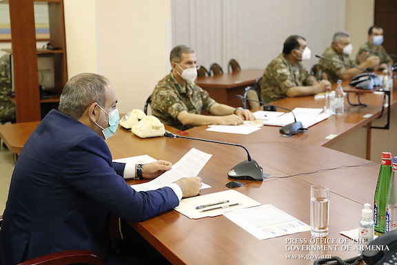 Prime Minister Nikol Pashinyan on July 18 met with Armenia's top military brass