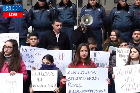 ARF Youth of Armenia protest the education minister in Nov. 2019
