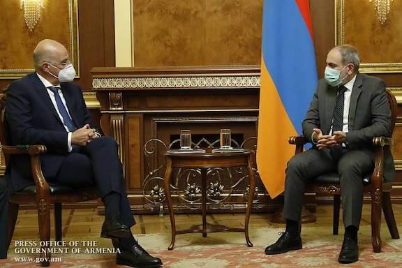 Greek Foreign Minister Nikos Denidas confers with Prime Minister Nikol Pashinyan