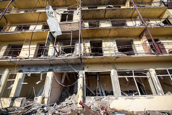 A residential complex in Shushi was bombed