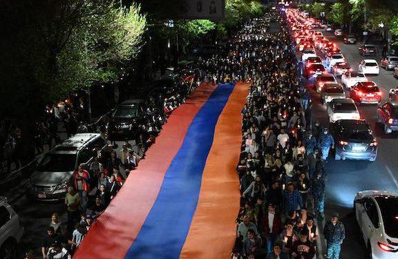 Procession of Torches to Dzidzernagapert Emphasizes Justice for Genocide