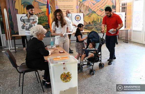 Kremlin, EU Welcome Armenia Elections