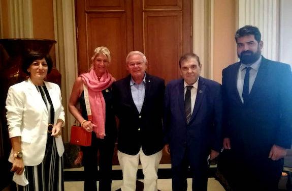 Sen. Menendez Meets Armenian Community Leaders in Greece