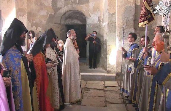 Annual Mass Held at Holy Cross Church in Akhtamar